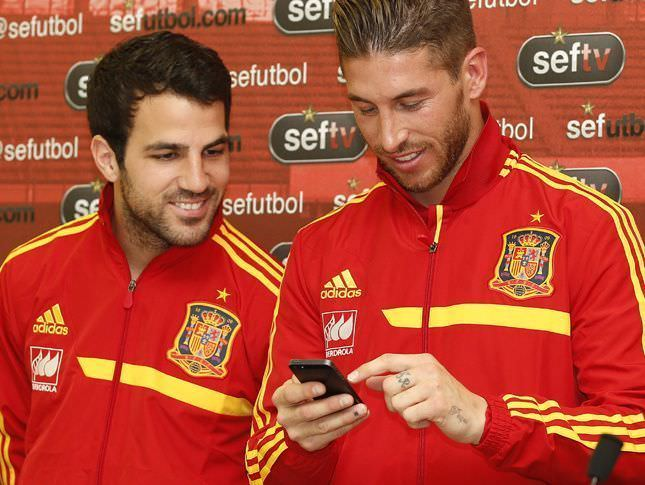 sergio-ramos-seleccion-mobil-twitter-redes-sociales-marketing-wanaleads