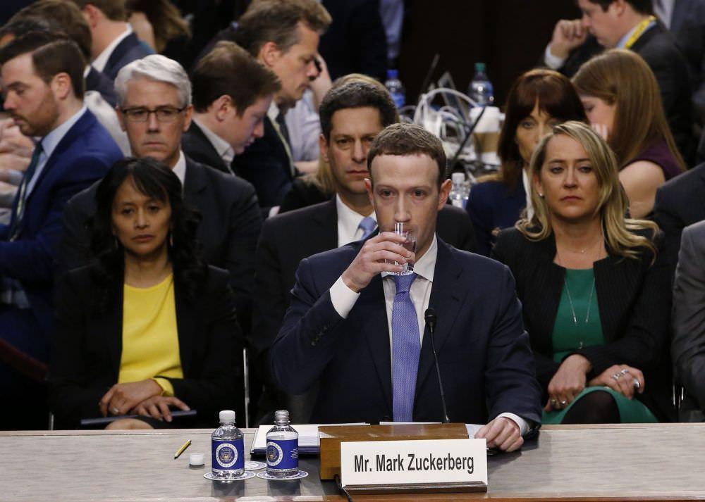 Mark Zuckerberg, testificó este martes ante el Congreso de Estados Unidos para dar explicaciones por el escándalo de Cambridge Analytica